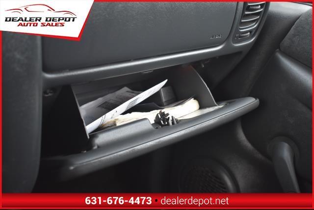 Chevrolet S-10 2000 price $2,790