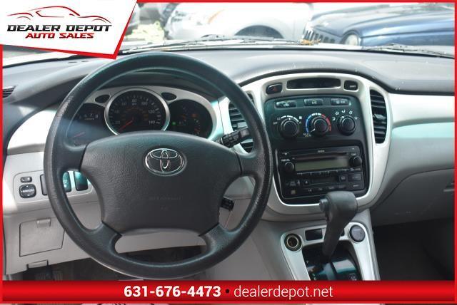 Toyota Highlander 2005 price $4,990