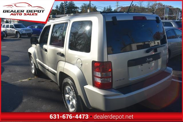 Jeep Liberty 2009 price $6,990