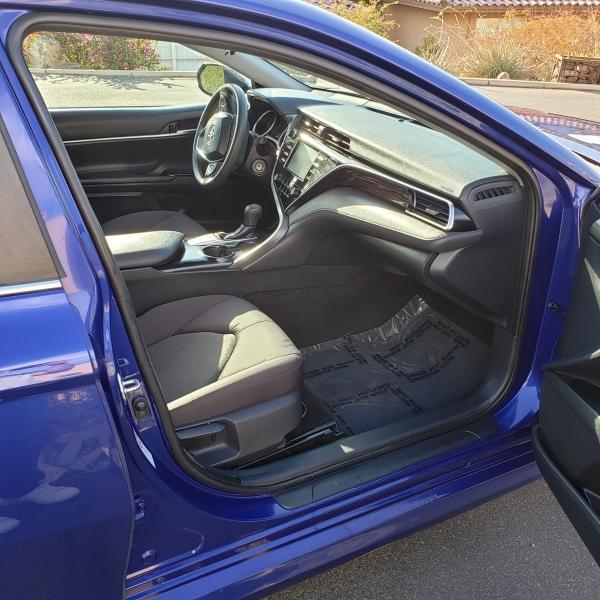 Toyota Camry 2018 price $14,979