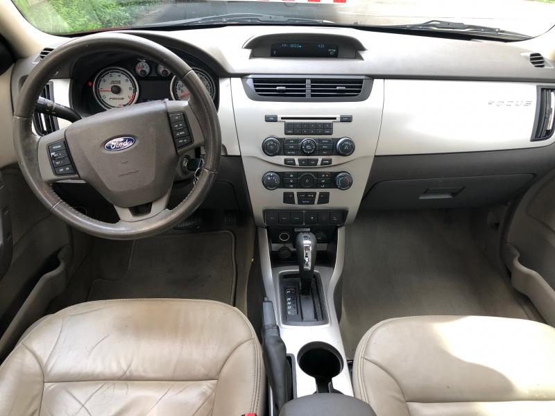 Ford Focus 2010 price $5,899