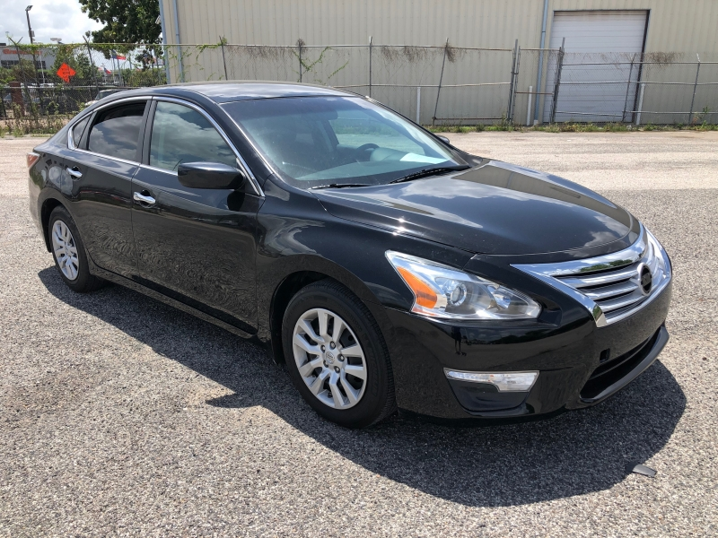 Nissan Altima 2015 price $9,799
