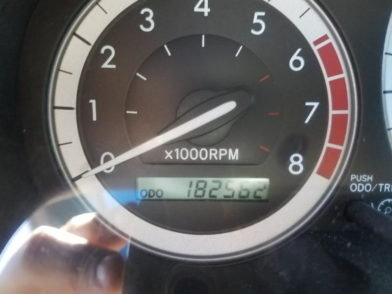 Toyota Sienna 2005 price $4,996