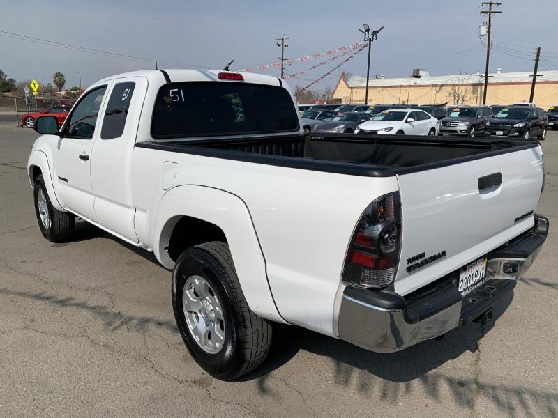 Toyota Tacoma 2013 price $14,997