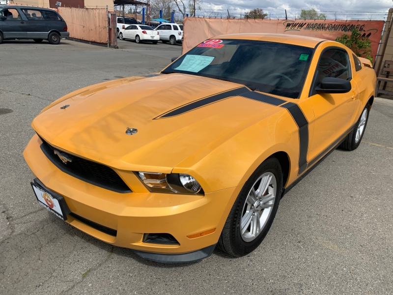 Ford Mustang 2012 price $12,998