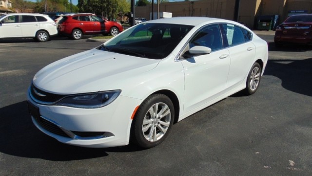 2015 Chrysler 200-Series