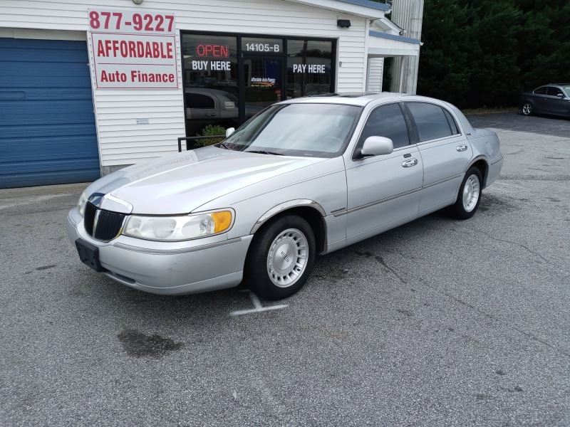 Lincoln Town Car 1999 price 500.00 DOWN