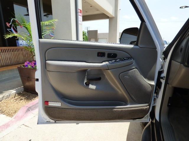 Chevrolet Tahoe 2004 price $9,990