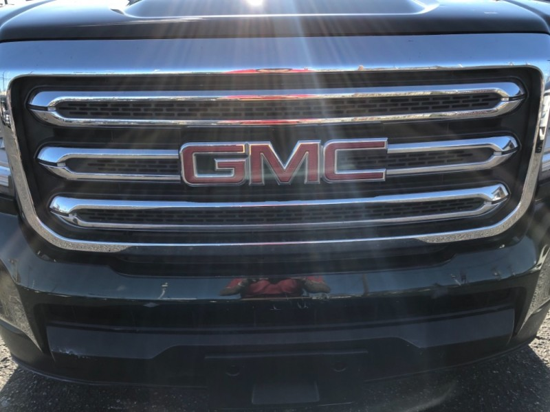 GMC Canyon 2015 price $24,990