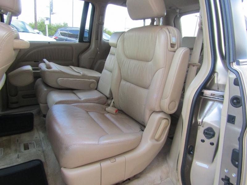 Honda Odyssey 2005 price $12,990