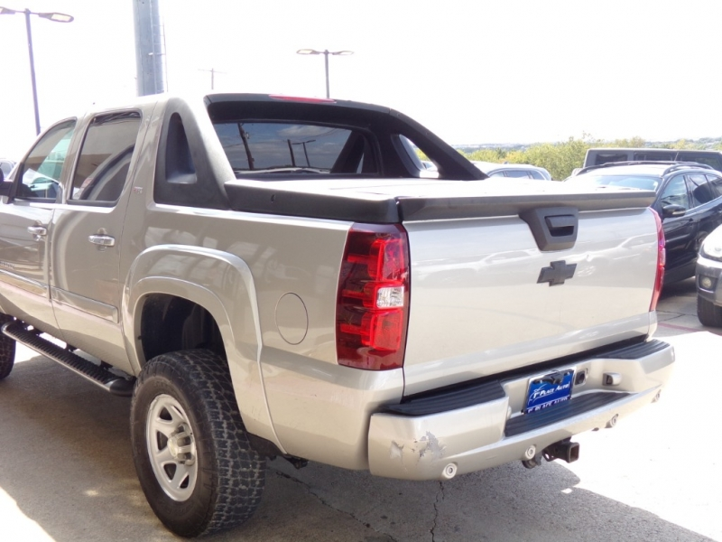 Chevrolet Avalanche 2007 price $16,990
