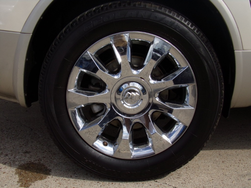 Buick Enclave 2010 price $12,990