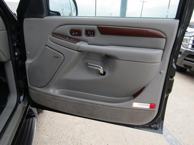 Cadillac Escalade 2004 price CALL FOR PRICE