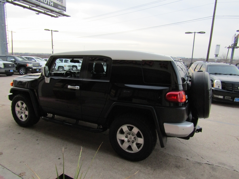 Toyota FJ Cruiser 2009 price CALL FOR PRICE