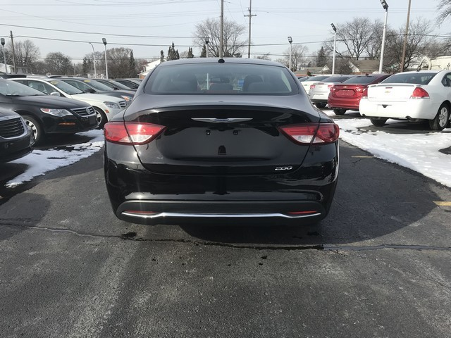 Chrysler 200 2016 price $9,995