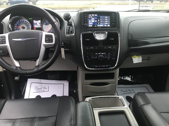 CHRYSLER TOWN & COUNTRY 2014 price $10,495