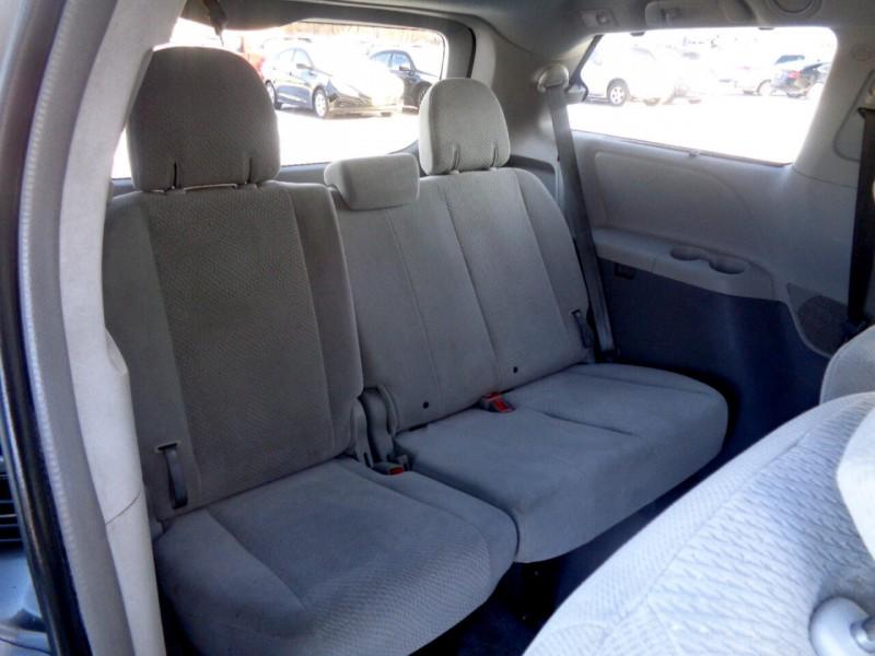 Toyota Sienna 2011 price $8,995
