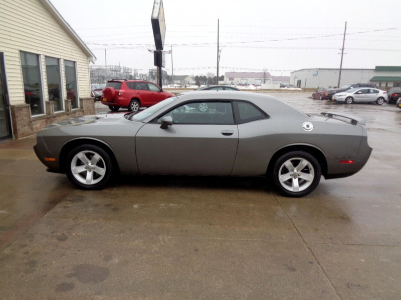 Dodge Challenger 2011 price $10,995