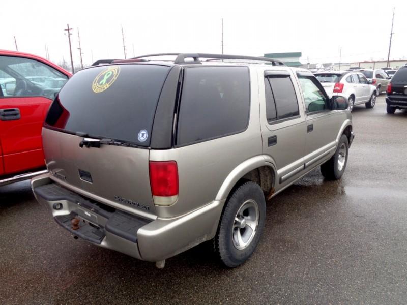 Chevrolet Blazer 2001 price $1,295