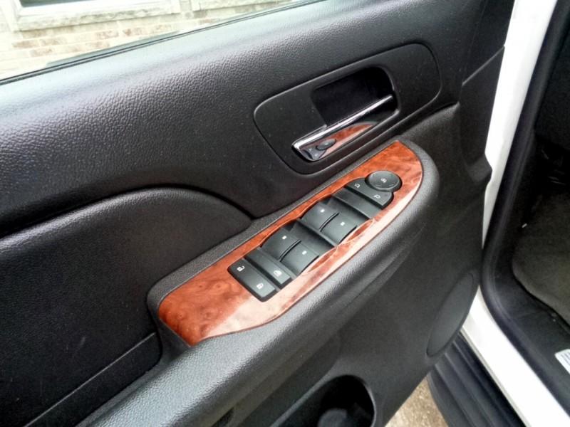 Chevrolet Suburban 2008 price $8,995