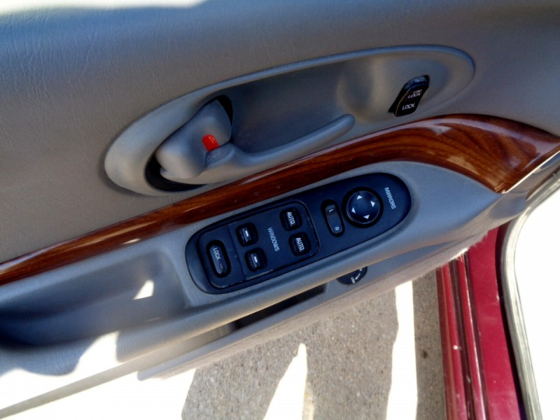 Buick LeSabre 2003 price $1,695