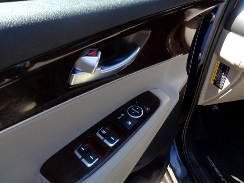 Kia Sorento 2017 price $10,995
