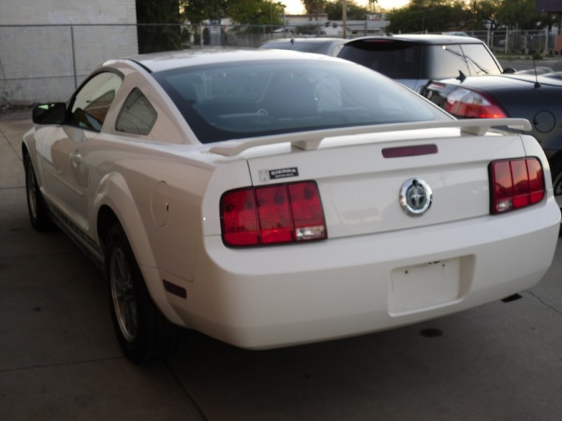 Ford Mustang 2005 price $5,800