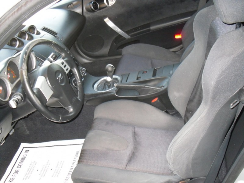 Nissan 350Z 2005 price $5,990