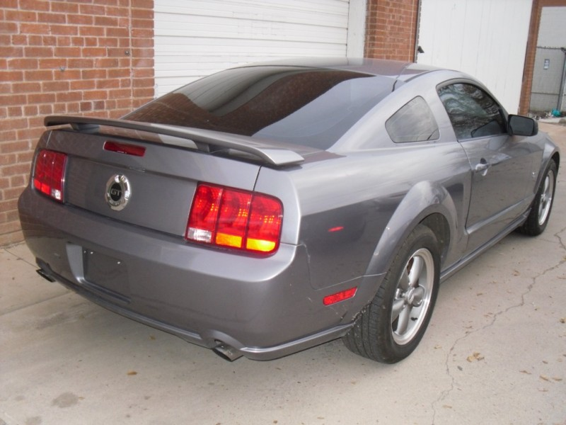 Ford Mustang 2006 price $6,990