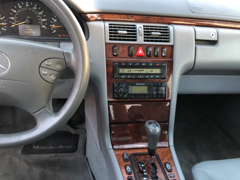 Mercedes-Benz E-Class 2000 price $3,990
