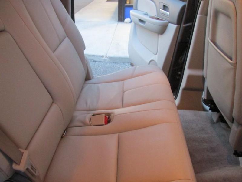 CHEVROLET SUBURBAN 2011 price $17,455