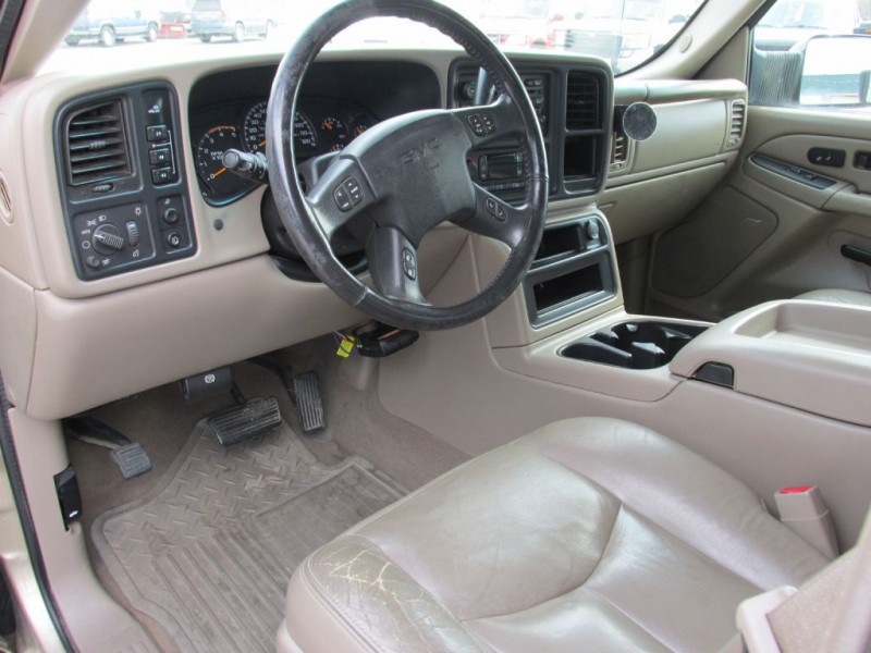 GMC SIERRA 2005 price $18,900