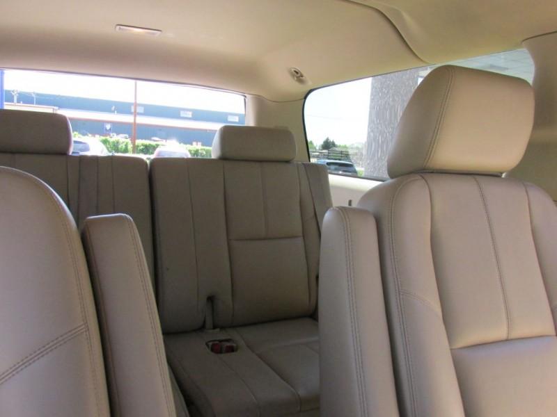 CHEVROLET SUBURBAN 2012 price $19,500