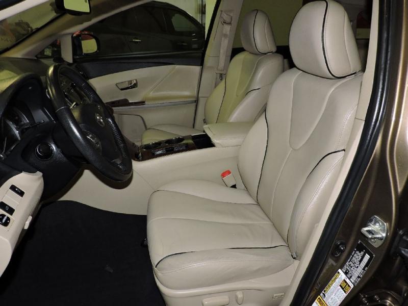 TOYOTA VENZA 2010 price $12,399