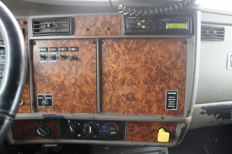 KENWORTH T300 2002 price $33,599