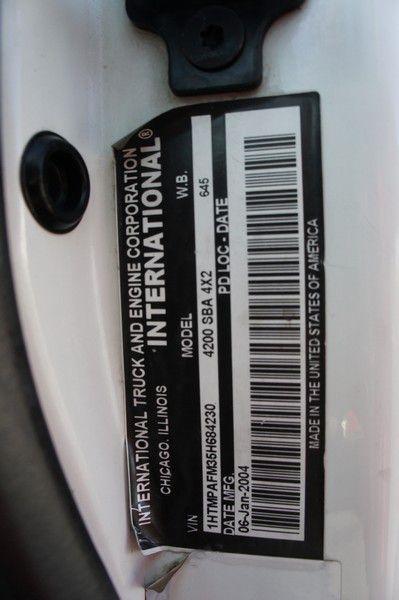 INTERNATIONAL 4200 2005 price $16,999