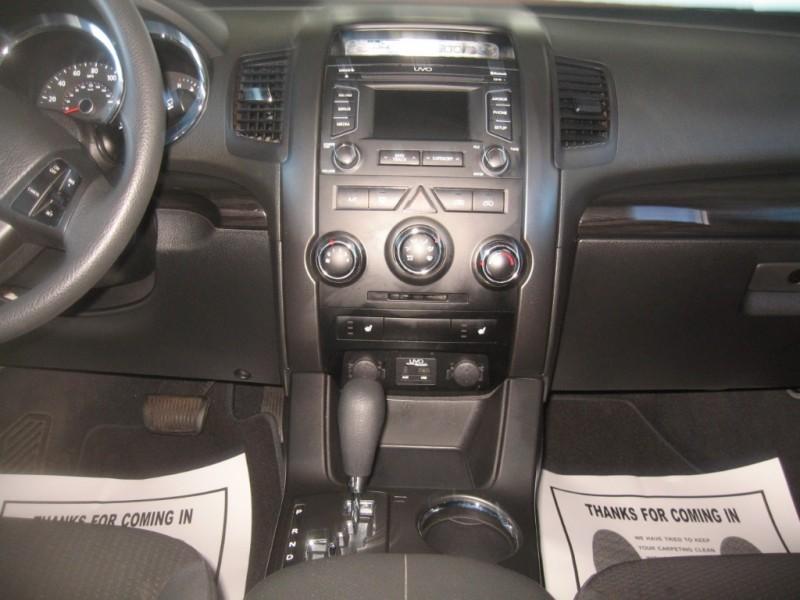 Kia Sorento 2013 price $12,499