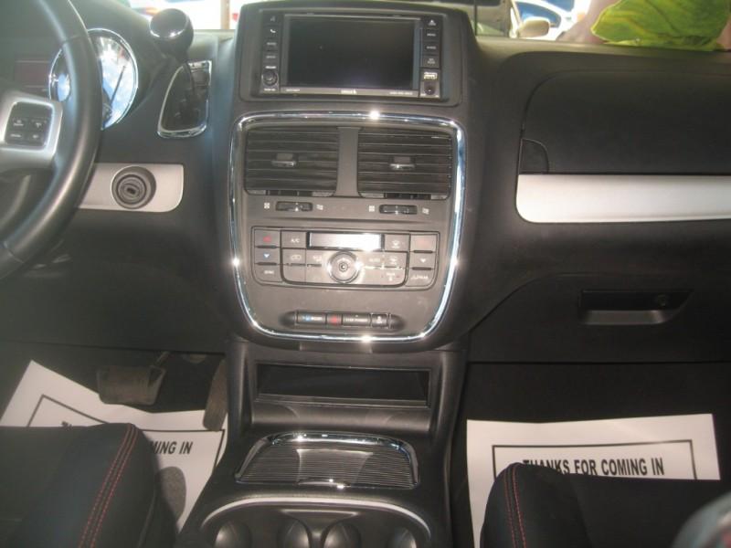Dodge Grand Caravan 2016 price $14,999