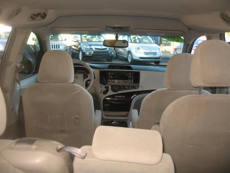 Toyota Sienna 2012 price $13,699