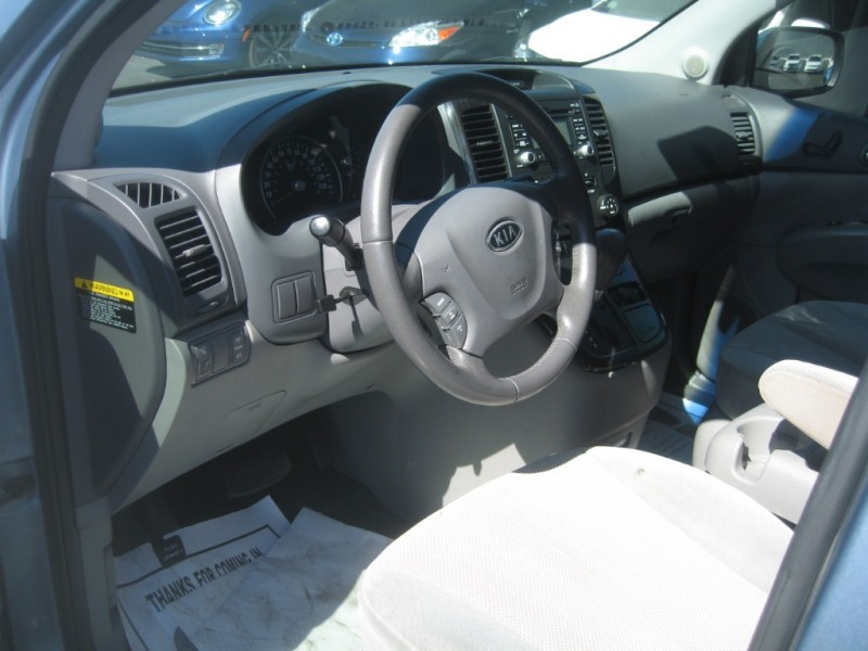 Kia Sedona 2012 price $7,999
