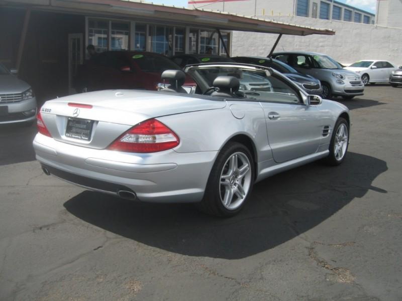 Mercedes-Benz SL-Class 2007 price $15,999