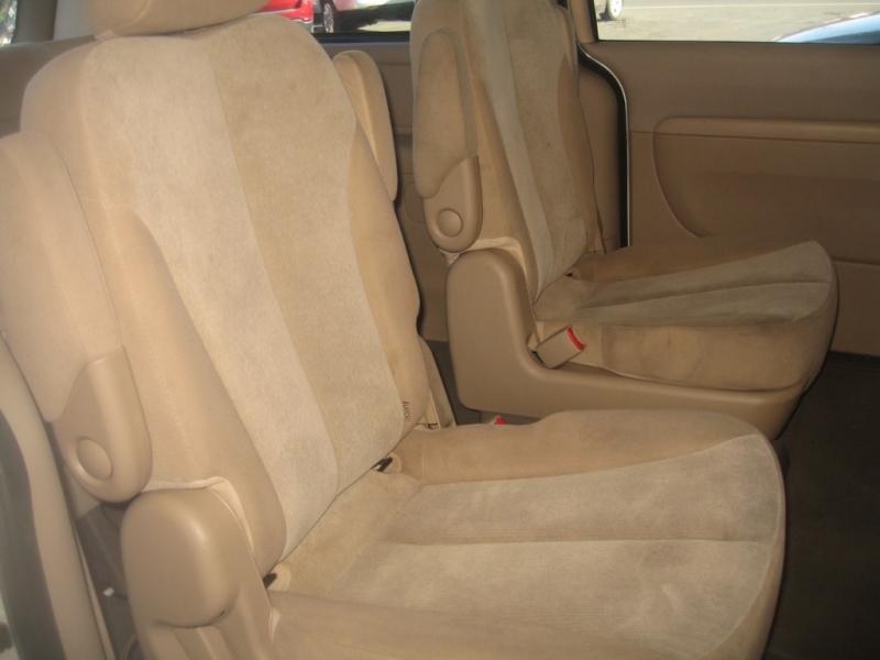 Kia Sedona 2011 price $5,999