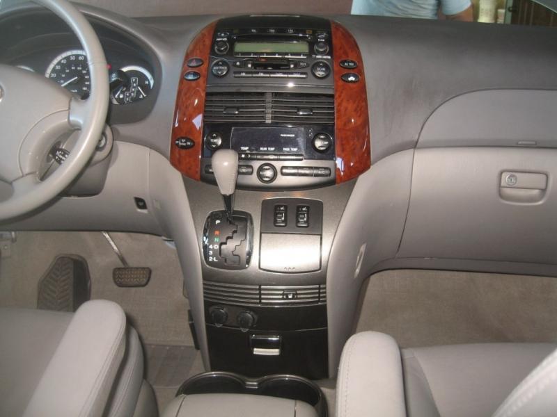 Toyota Sienna 2004 price $7,499