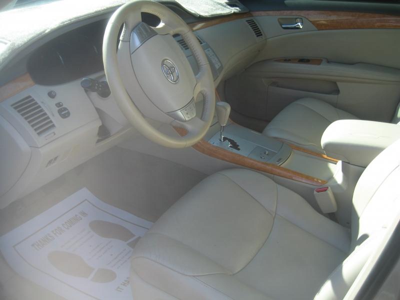 Toyota Avalon 2006 price $5,999