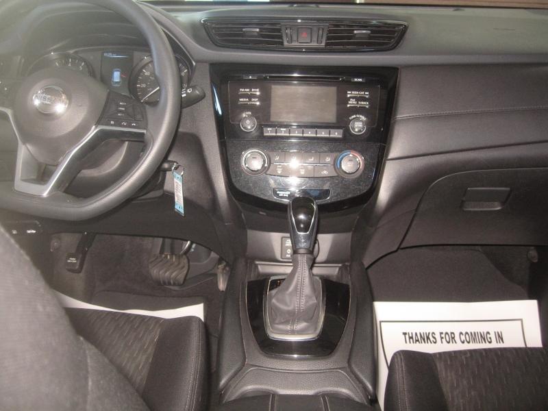 Nissan Rogue 2017 price $15,499