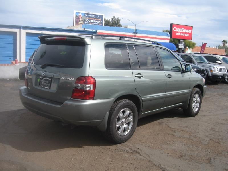 Toyota Highlander 2006 price $7,499