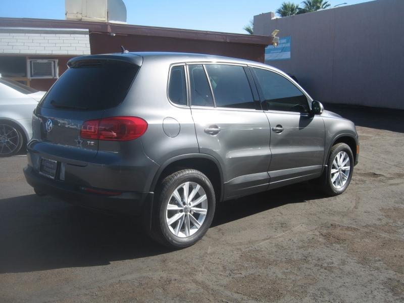 Volkswagen Tiguan 2017 price $13,499