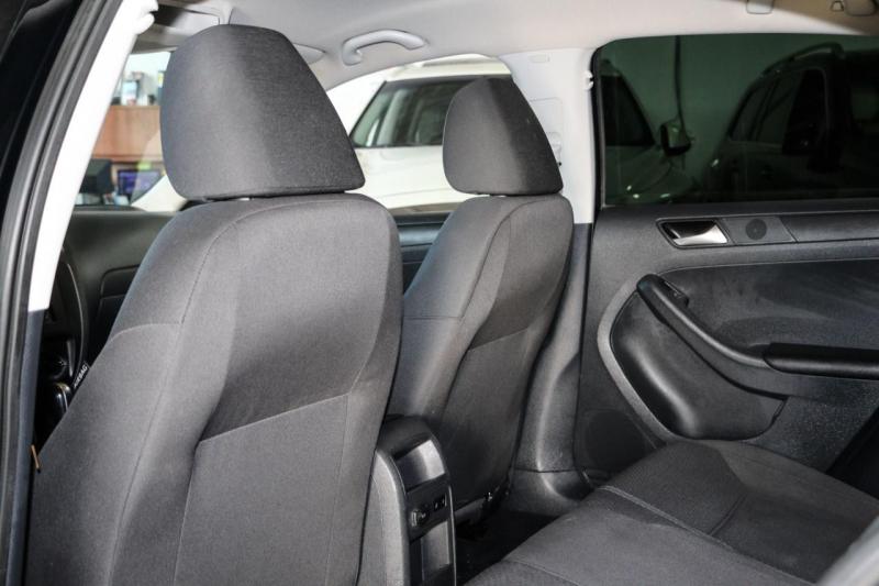 Volkswagen Jetta Sedan 2013 price $9,800