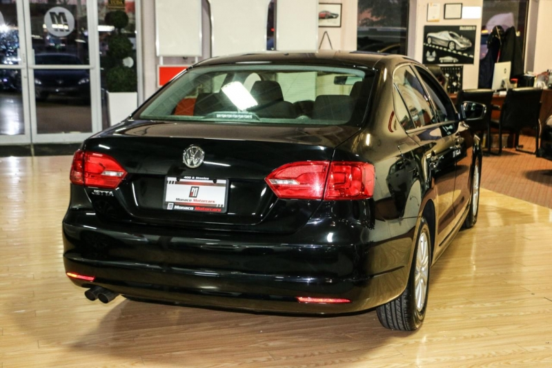 Volkswagen Jetta Sedan 2012 price $9,500