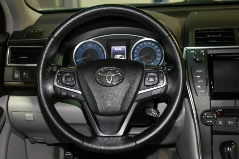 Toyota Camry 2015 price $17,995
